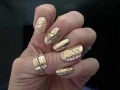 Летний модный дизайн ногтей 2013 эффект металлик золото